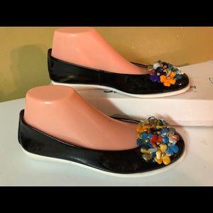 THE FLEXX Black Patent Leather Floral Ballet Flat